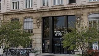 Deux bébés camerounais siamois doivent être opérés le 7 novembre 2019 aux Hospices civils de Lyon.